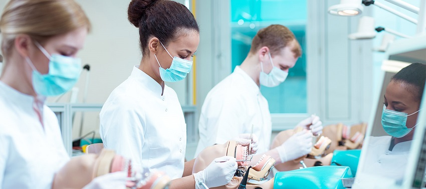 dentistry students training 850px