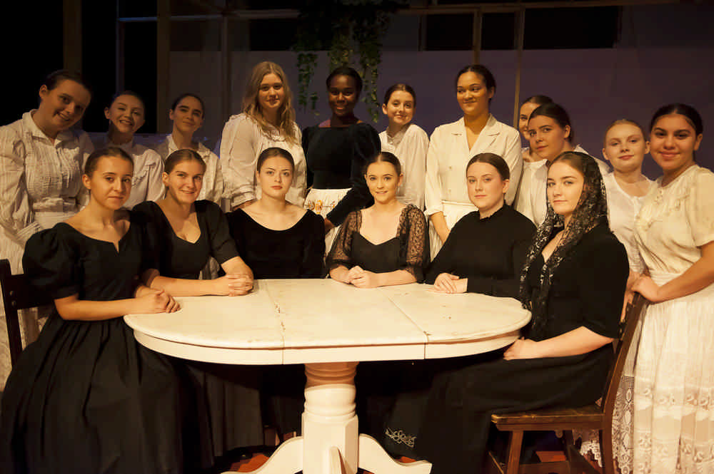 the-house-of-bernarda-alba39