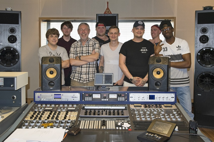 BA Hon Creative and Commercial Music with Tim  Young at Metropolis Studio